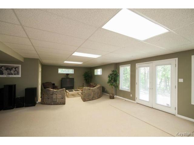 Photo 15: 103 EAGLE CREEK Drive in ESTPAUL: Birdshill Area Residential for sale (North East Winnipeg)  : MLS® # 1511283