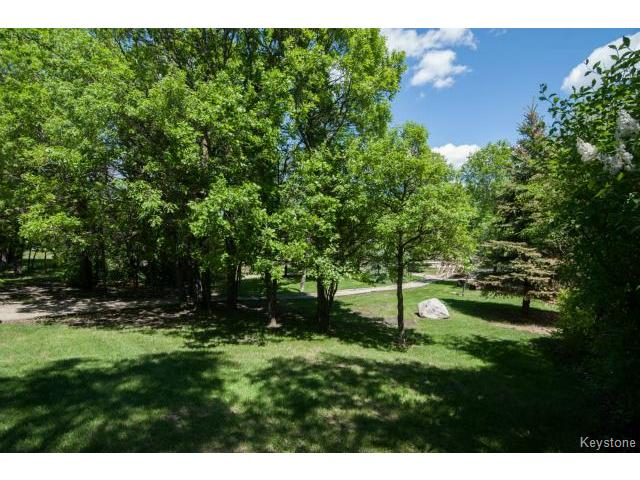Photo 18: 103 EAGLE CREEK Drive in ESTPAUL: Birdshill Area Residential for sale (North East Winnipeg)  : MLS(r) # 1511283