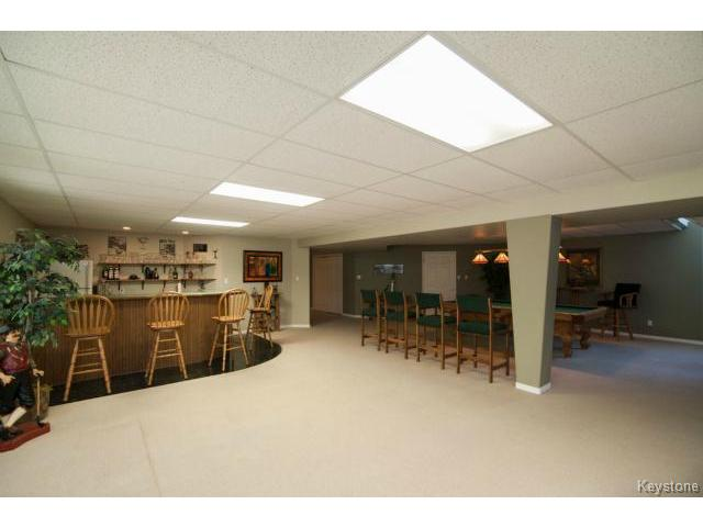 Photo 16: 103 EAGLE CREEK Drive in ESTPAUL: Birdshill Area Residential for sale (North East Winnipeg)  : MLS(r) # 1511283