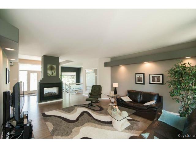 Photo 7: 103 EAGLE CREEK Drive in ESTPAUL: Birdshill Area Residential for sale (North East Winnipeg)  : MLS(r) # 1511283