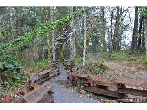 Photo 5: 485 Dunmora Court in SAANICHTON: CS Inlet Land for sale (Central Saanich)  : MLS(r) # 352760
