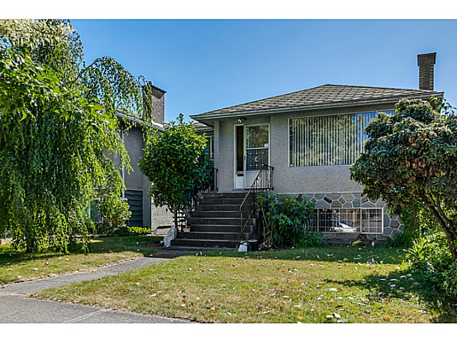 Main Photo: 6862 ROSS Street in Vancouver: South Vancouver House for sale (Vancouver East)  : MLS(r) # V1131620