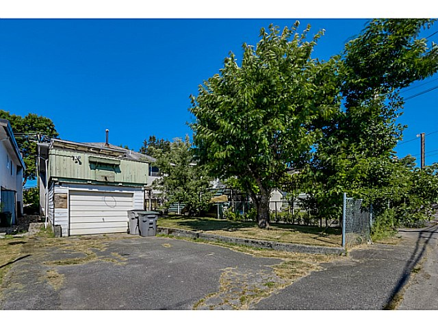Photo 20: 6862 ROSS Street in Vancouver: South Vancouver House for sale (Vancouver East)  : MLS(r) # V1131620