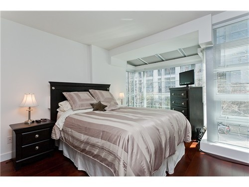 Photo 7: 1245 SEYMOUR Street in Vancouver West: Downtown VW Home for sale ()  : MLS(r) # V1001351
