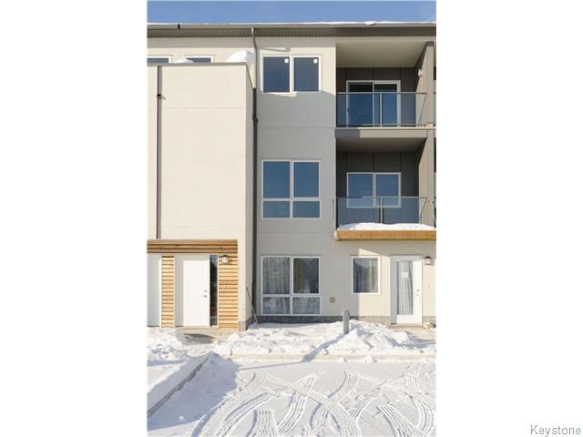 Main Photo: 1355 Lee Boulevard in Winnipeg: Fort Garry / Whyte Ridge / St Norbert Condominium for sale (South Winnipeg)  : MLS® # 1608598