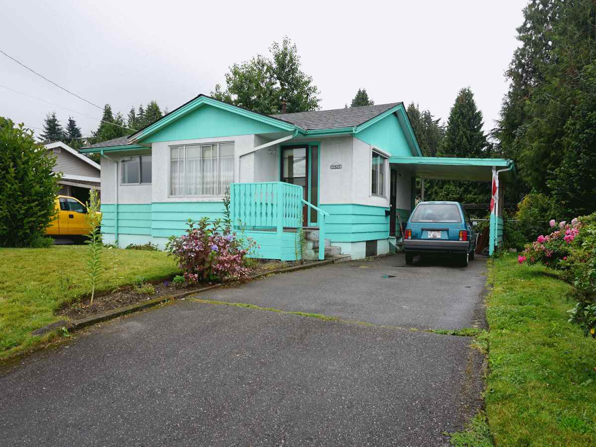 Main Photo: 33268 ROBERTSON Avenue in Abbotsford: Central Abbotsford House for sale : MLS® # R2088784