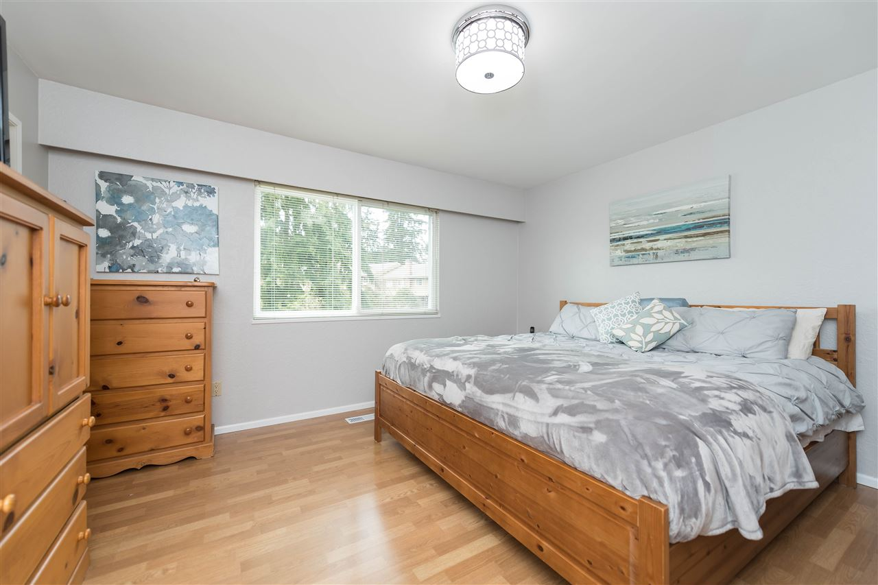 Photo 13: 4793 HOSKINS Road in North Vancouver: Lynn Valley House for sale : MLS® # R2149450