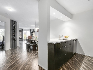 "Main Photo: 319 2222 PRINCE EDWARD Street in Vancouver: Mount Pleasant VE Condo for sale in ""SUNRISE ON THE PARK"" (Vancouver East)  : MLS(r) # R2157666"