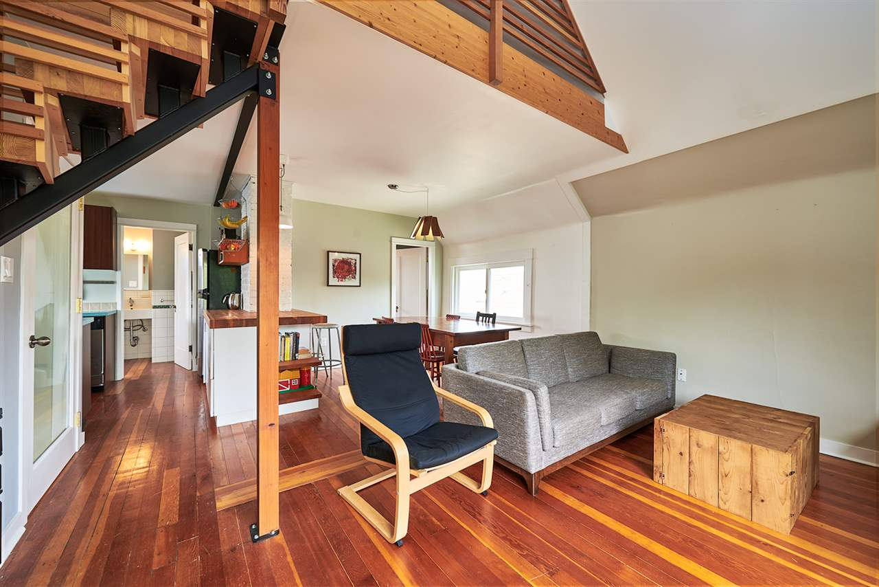 Photo 13: 2241 E PENDER Street in Vancouver: Hastings House for sale (Vancouver East)  : MLS® # R2169228