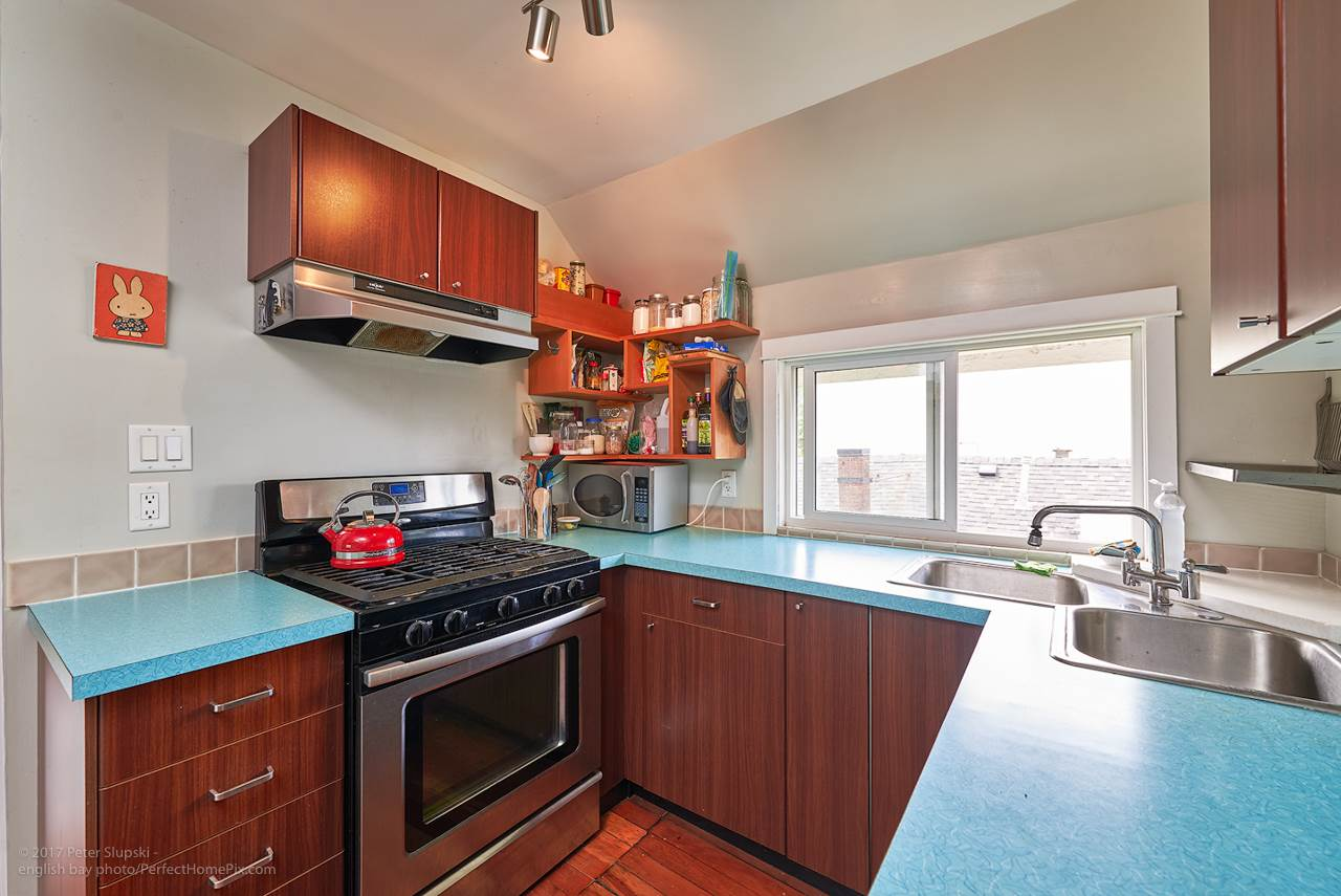 Photo 10: 2241 E PENDER Street in Vancouver: Hastings House for sale (Vancouver East)  : MLS® # R2169228