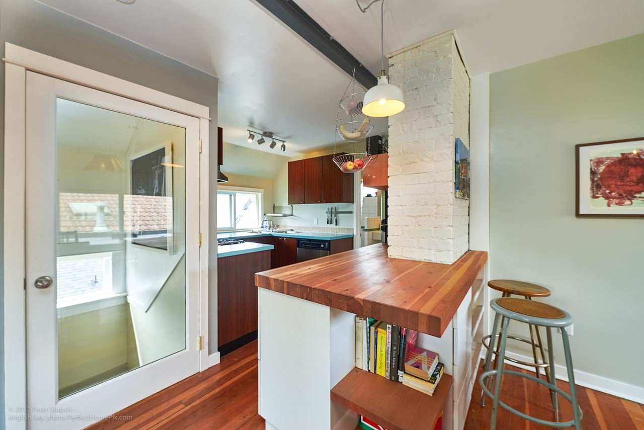 Photo 11: 2241 E PENDER Street in Vancouver: Hastings House for sale (Vancouver East)  : MLS® # R2169228