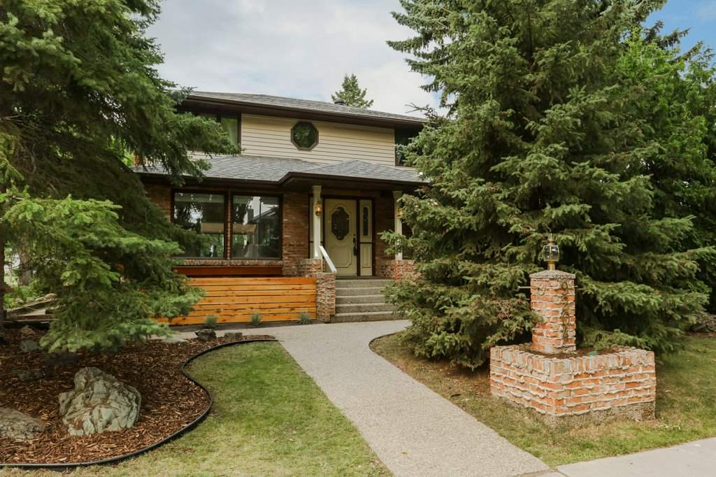 Main Photo: 9204 147 Street in Edmonton: Zone 10 House for sale : MLS® # E4078660