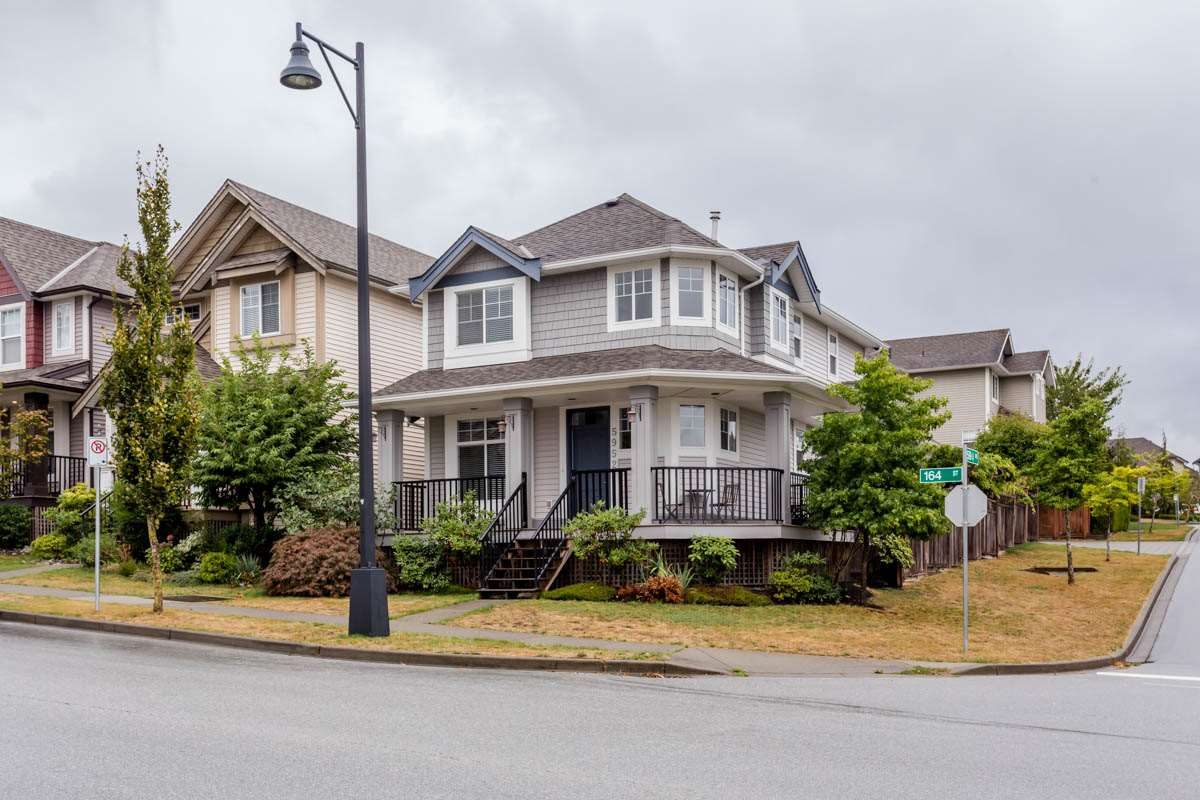 Main Photo: 5952 164 Street in Surrey: Cloverdale BC House for sale (Cloverdale)  : MLS® # R2207791