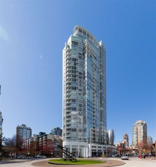 Main Photo: 702 1201 MARINASIDE Crescent in Vancouver: Yaletown Condo for sale (Vancouver West)  : MLS®# R2254321