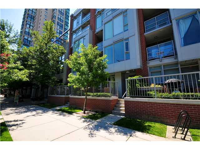 "Photo 9: 1137 HOMER Street in Vancouver: Yaletown Townhouse for sale in ""H&H"" (Vancouver West)  : MLS(r) # V909616"
