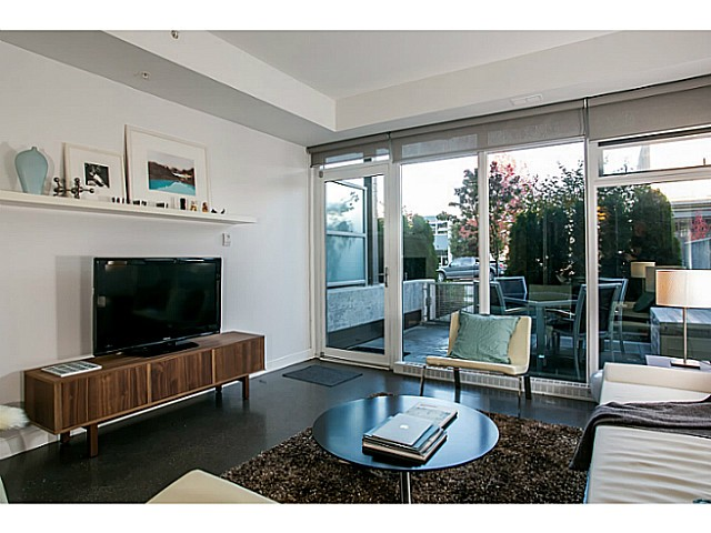 Photo 3: 266 E 2ND Avenue in Vancouver: Mount Pleasant VE Condo for sale (Vancouver East)  : MLS(r) # V1044456