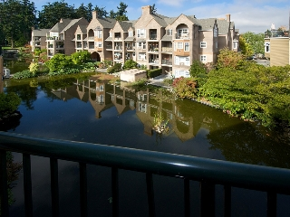 "Main Photo: 402 1363 56TH Street in Tsawwassen: Cliff Drive Condo for sale in ""WINDSOR WOODS"" : MLS(r) # V1088690"