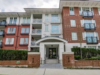 "Main Photo: 113 618 COMO LAKE Avenue in Coquitlam: Central Coquitlam Condo for sale in ""EMERSON"" : MLS(r) # V1113148"