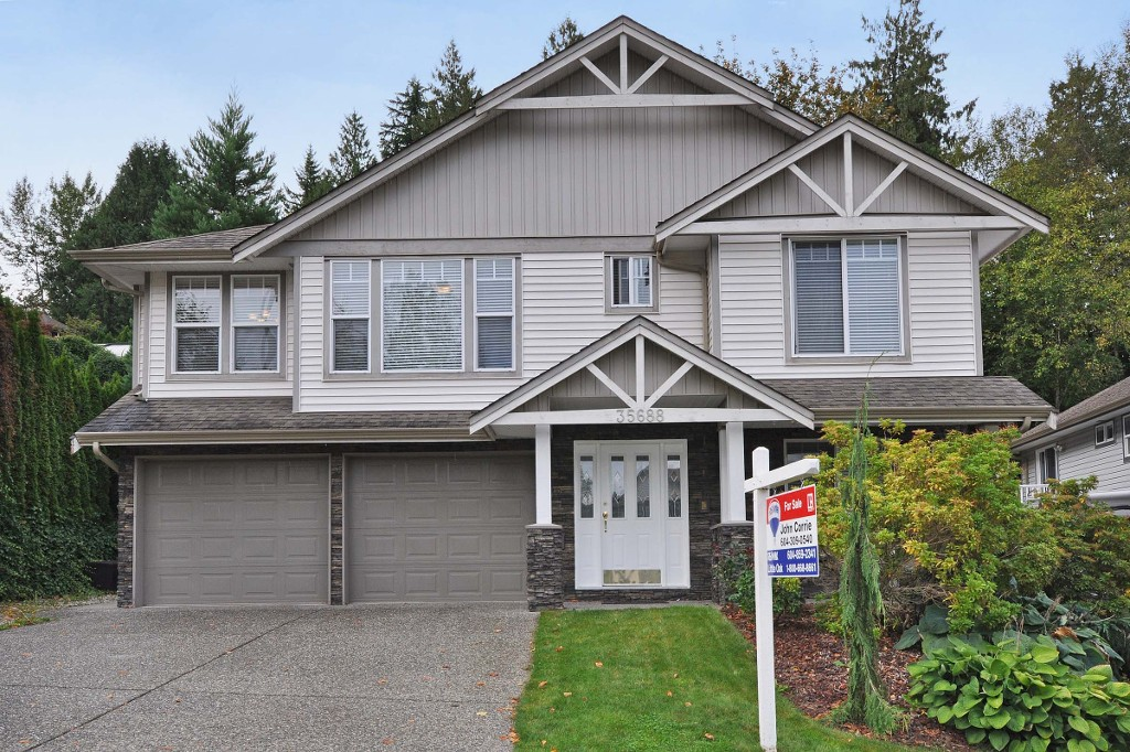 Main Photo: 35688 LEDGEVIEW Drive in Abbotsford: Abbotsford East House for sale : MLS® # R2001957