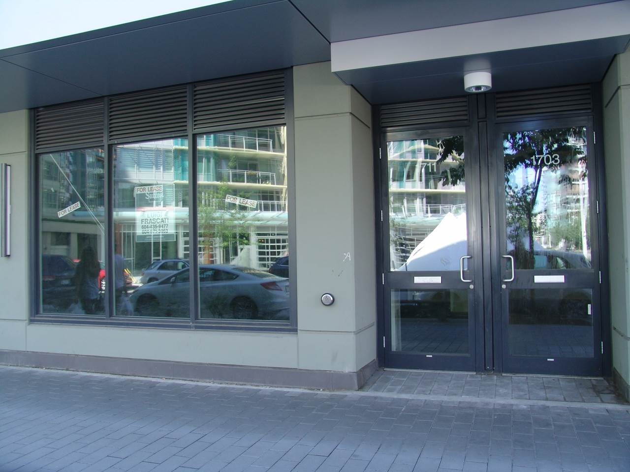Main Photo: 1711 MANITOBA Street in Vancouver: False Creek Commercial for lease (Vancouver West)  : MLS®# C8006501