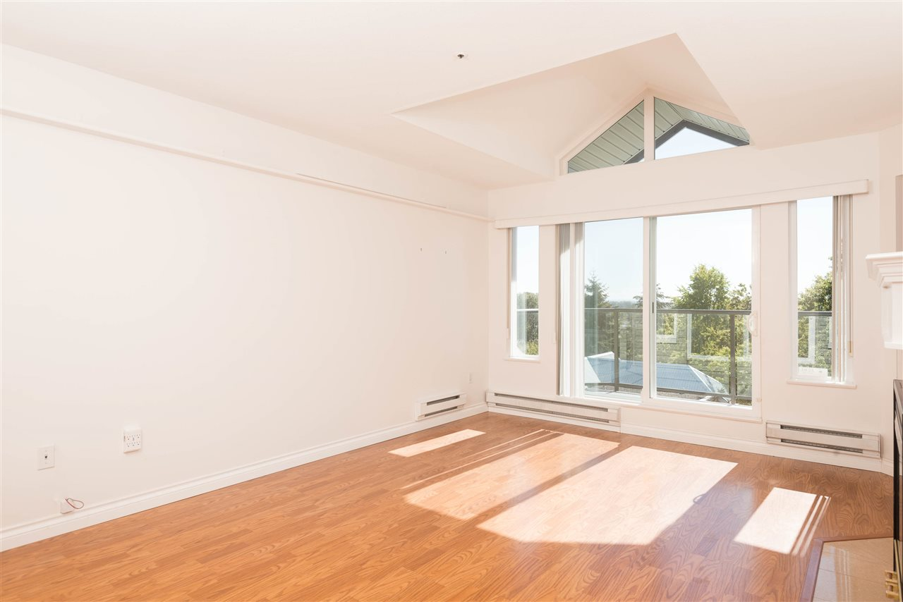 "Photo 3: 313 2250 SE MARINE Drive in Vancouver: Fraserview VE Condo for sale in ""WATERSIDE"" (Vancouver East)  : MLS® # R2111265"
