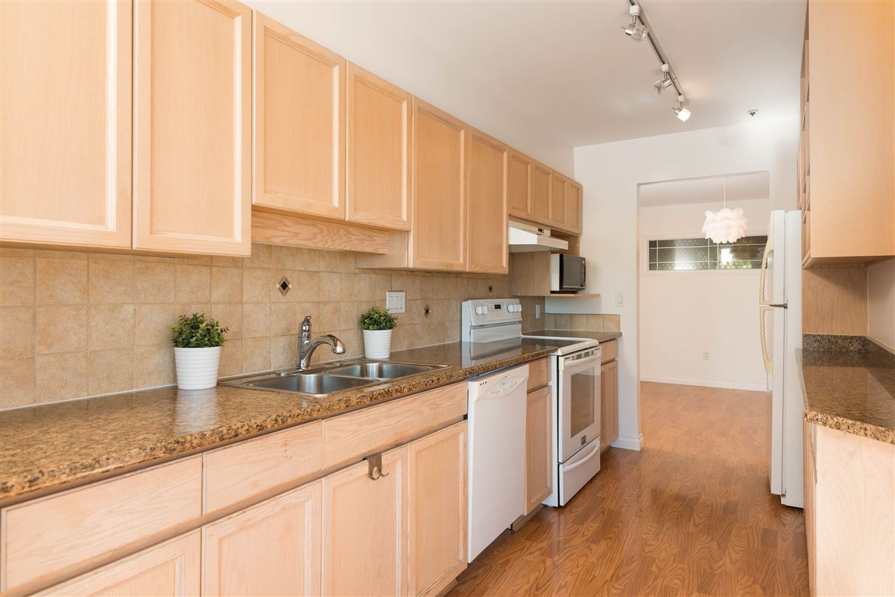 "Photo 5: 313 2250 SE MARINE Drive in Vancouver: Fraserview VE Condo for sale in ""WATERSIDE"" (Vancouver East)  : MLS® # R2111265"