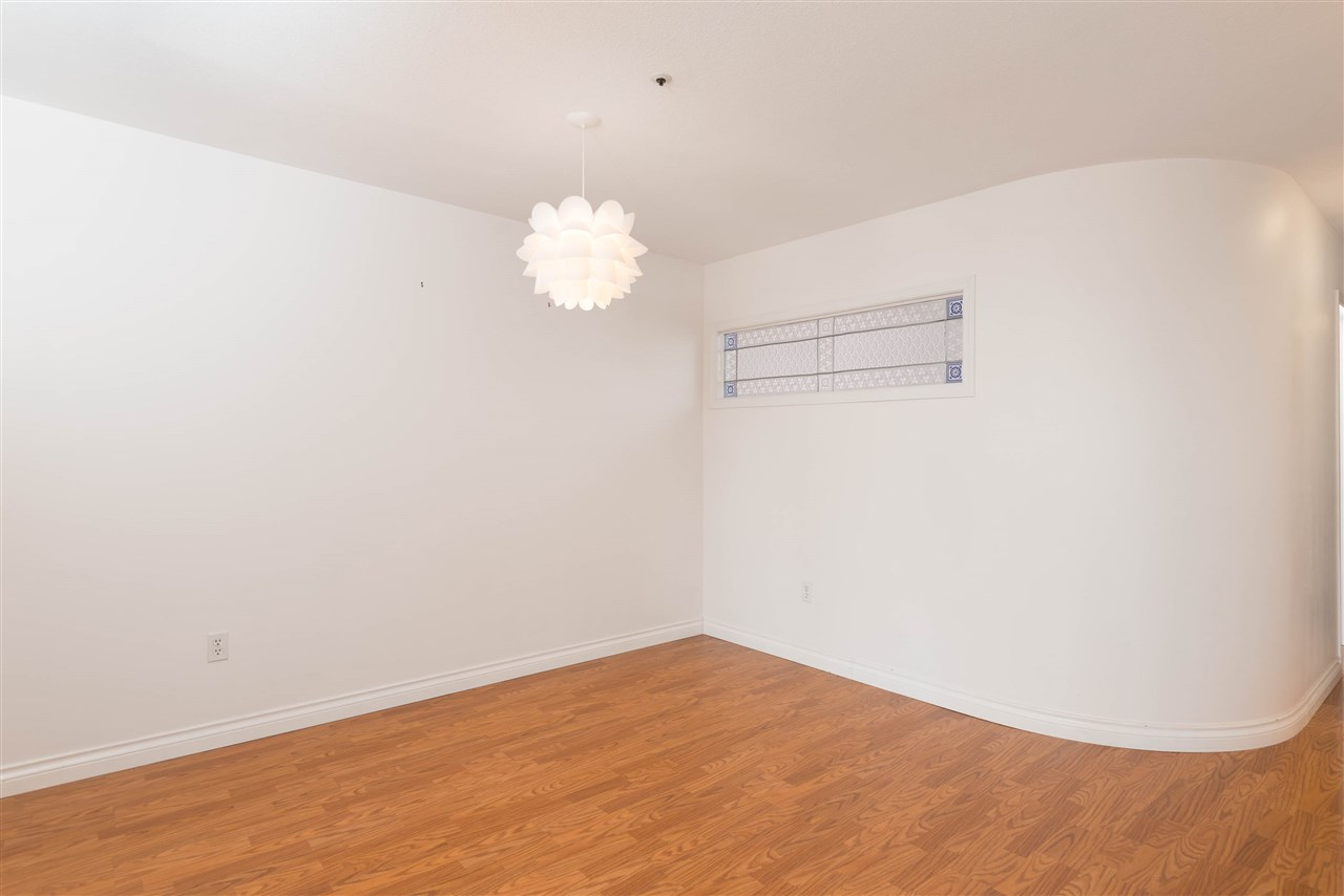 "Photo 11: 313 2250 SE MARINE Drive in Vancouver: Fraserview VE Condo for sale in ""WATERSIDE"" (Vancouver East)  : MLS® # R2111265"