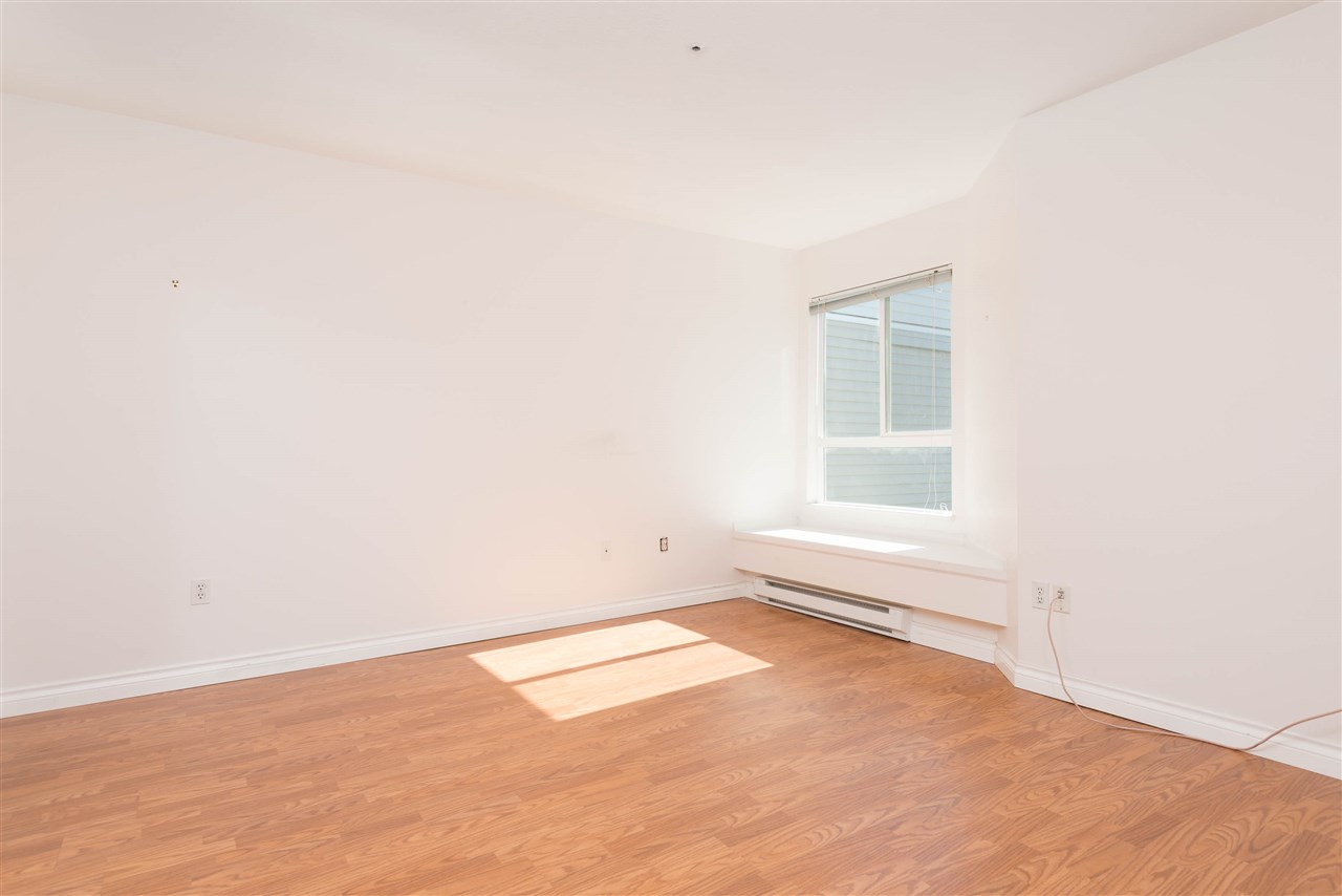 "Photo 15: 313 2250 SE MARINE Drive in Vancouver: Fraserview VE Condo for sale in ""WATERSIDE"" (Vancouver East)  : MLS® # R2111265"