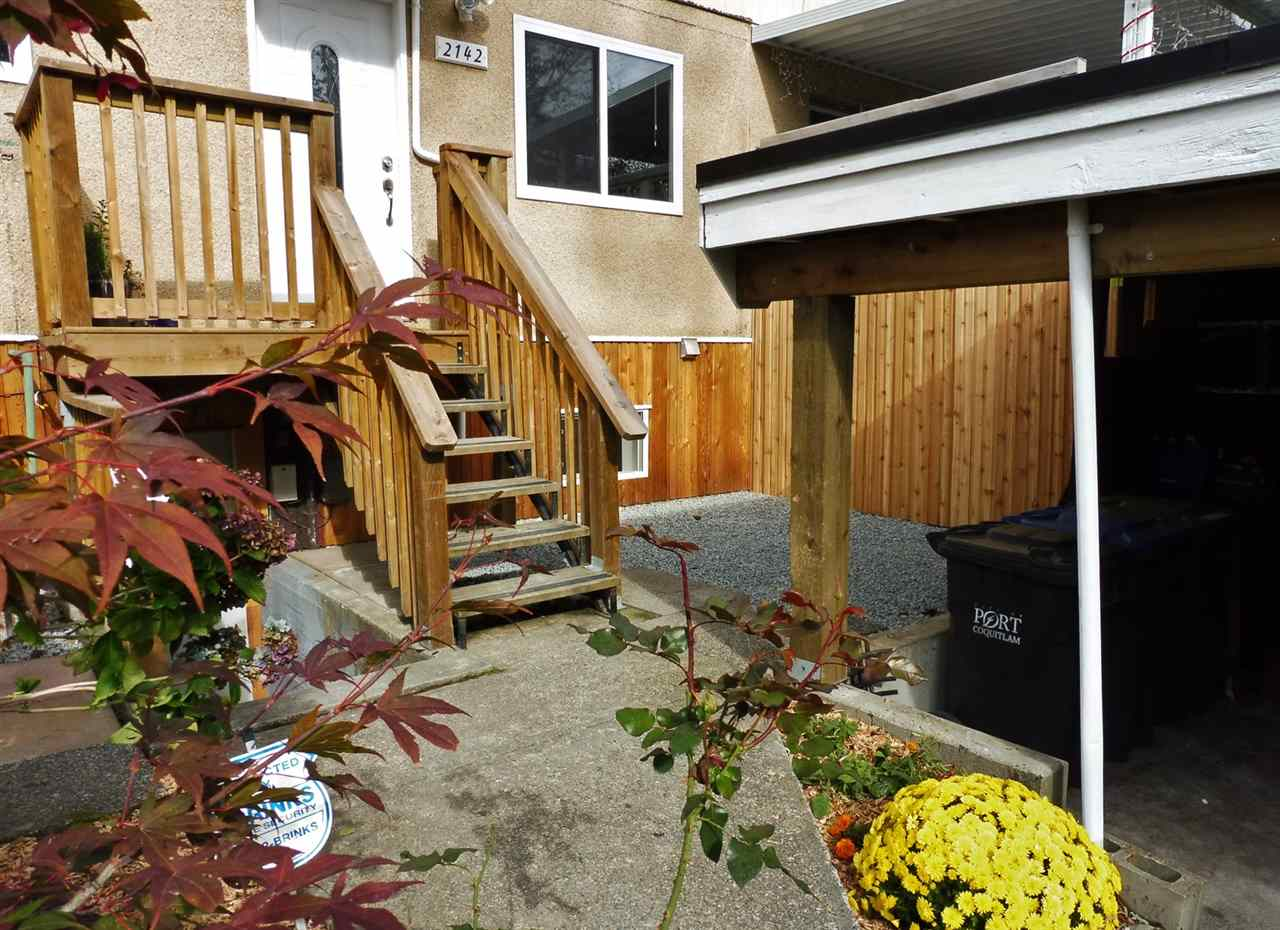 "Photo 2: 2142 SANDRA Way in Port Coquitlam: Mary Hill Townhouse for sale in ""MARY HILL ESTATES"" : MLS® # R2116200"