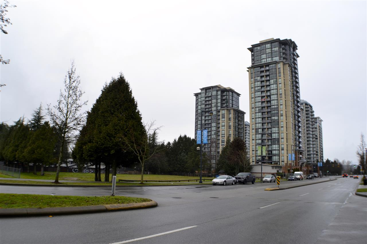 "Photo 12: 209 10777 UNIVERSITY Drive in Surrey: Whalley Condo for sale in ""Citypoint"" (North Surrey)  : MLS(r) # R2149536"