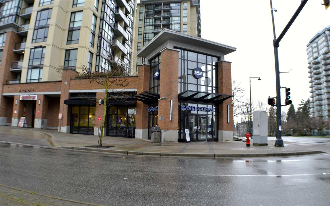 "Photo 9: 209 10777 UNIVERSITY Drive in Surrey: Whalley Condo for sale in ""Citypoint"" (North Surrey)  : MLS(r) # R2149536"