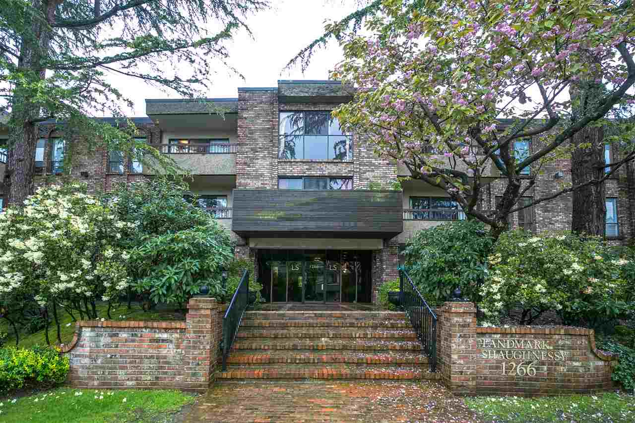 "Main Photo: 105 1266 W 13TH Avenue in Vancouver: Fairview VW Condo for sale in ""LANDMARK SHAUGHNESSY"" (Vancouver West)  : MLS(r) # R2162772"