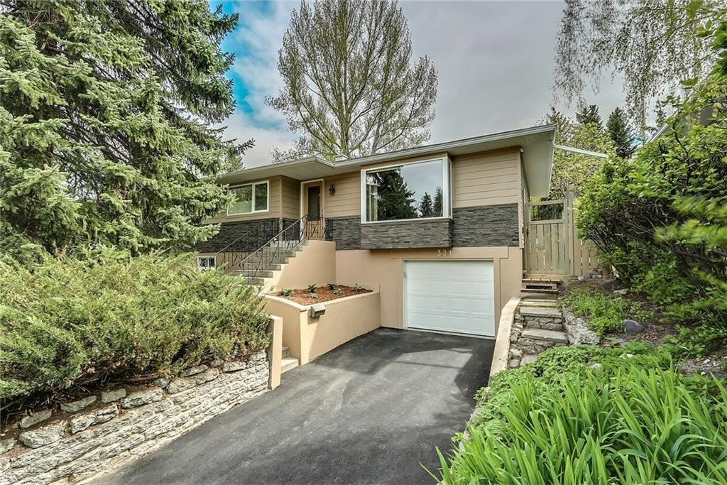 Photo 2: 331 45 Avenue SW in Calgary: Elboya House for sale : MLS® # C4107686