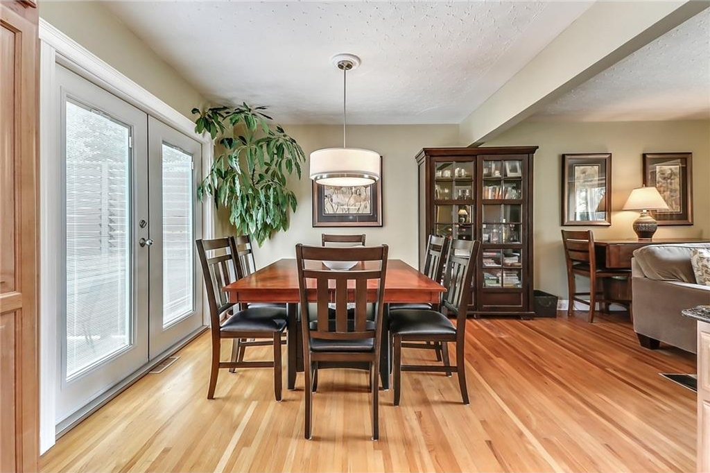 Photo 12: 331 45 Avenue SW in Calgary: Elboya House for sale : MLS® # C4107686
