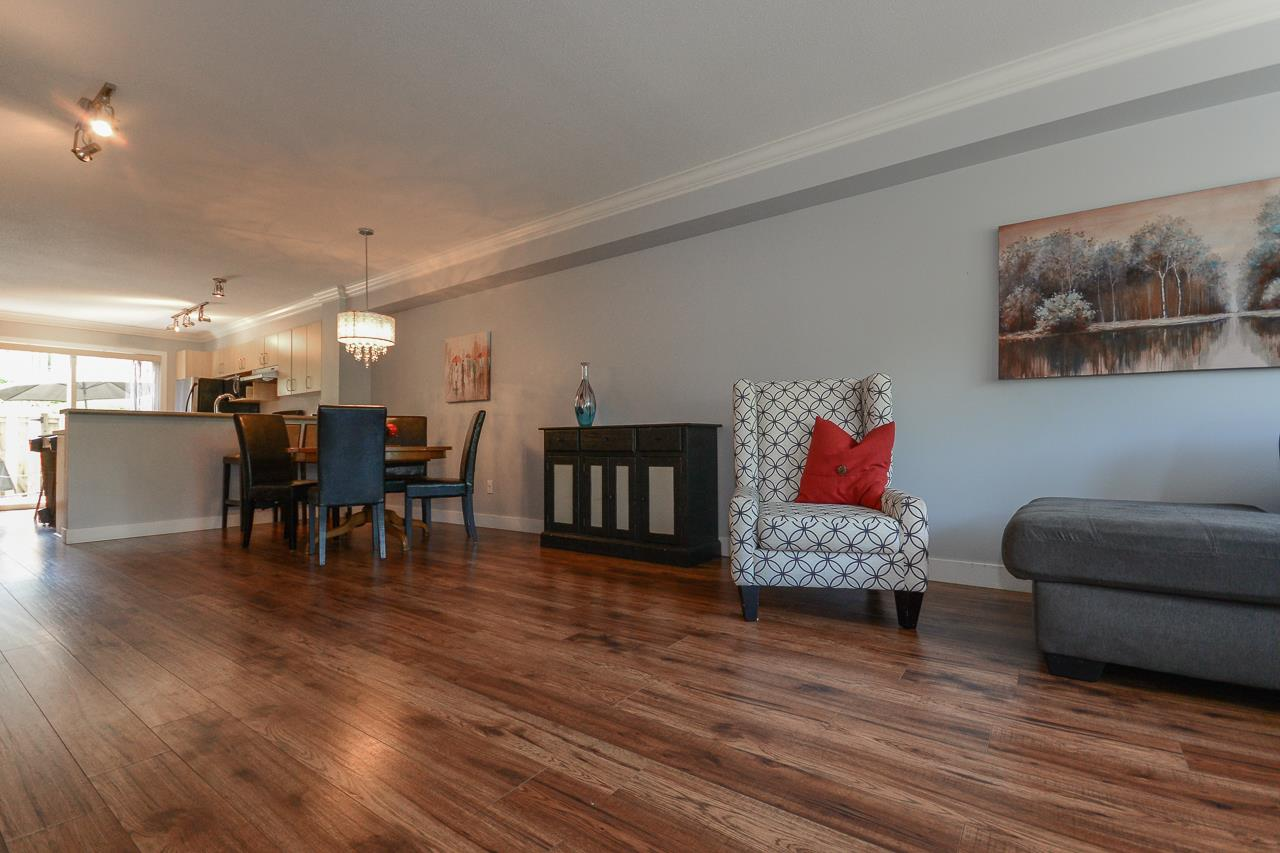 "Photo 5: 2 15155 62A Avenue in Surrey: Sullivan Station Townhouse for sale in ""OAKLANDS"" : MLS(r) # R2178788"