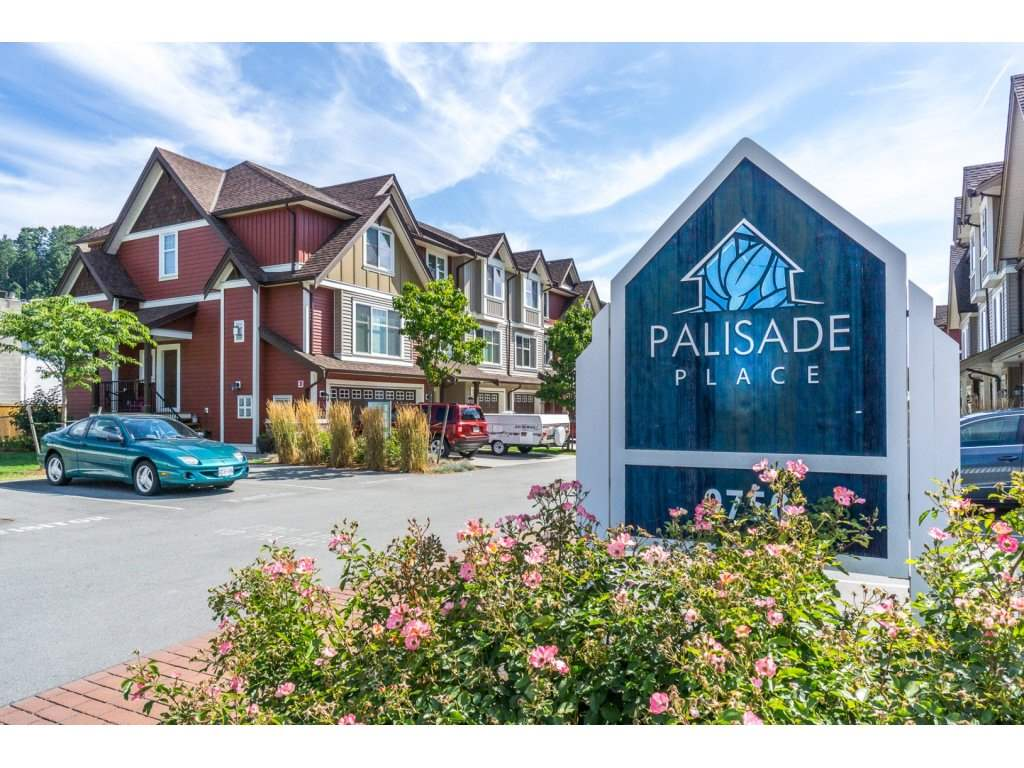 "Main Photo: 13 9750 MCNAUGHT Road in Chilliwack: Chilliwack E Young-Yale Townhouse for sale in ""Palisade Place"" : MLS® # R2190377"