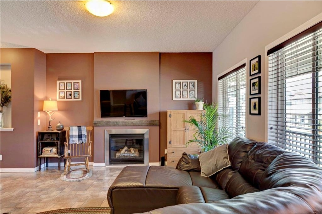 Photo 10: 312 CIMARRON VISTA Way: Okotoks House for sale : MLS® # C4131376