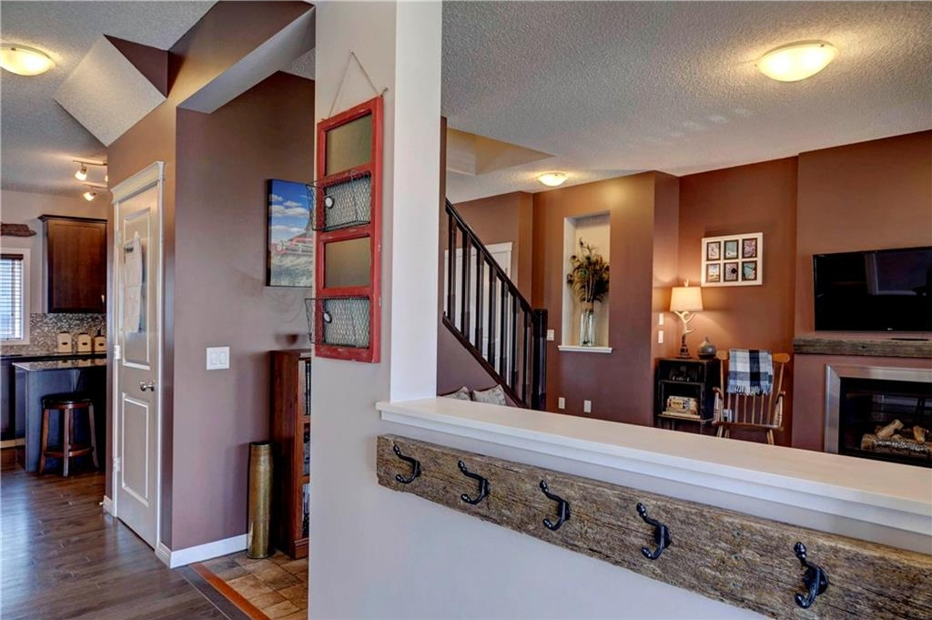 Photo 9: 312 CIMARRON VISTA Way: Okotoks House for sale : MLS® # C4131376