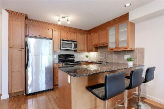 Main Photo: 312 1969 WESTMINSTER Avenue in Port Coquitlam: Glenwood PQ Condo for sale : MLS® # R2195817