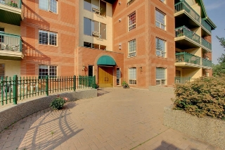 Main Photo: 303 35 SIR WINSTON CHURCHILL Avenue: St. Albert Condo for sale : MLS® # E4080174