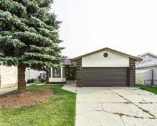 Main Photo: 9123 175 Avenue in Edmonton: Zone 28 House for sale : MLS® # E4080412