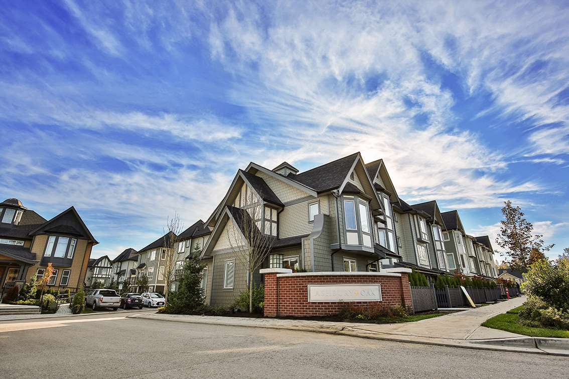"Photo 1: Photos: 107 8138 204 Street in Langley: Willoughby Heights Townhouse for sale in ""Ashbury & Oak"" : MLS® # R2218599"