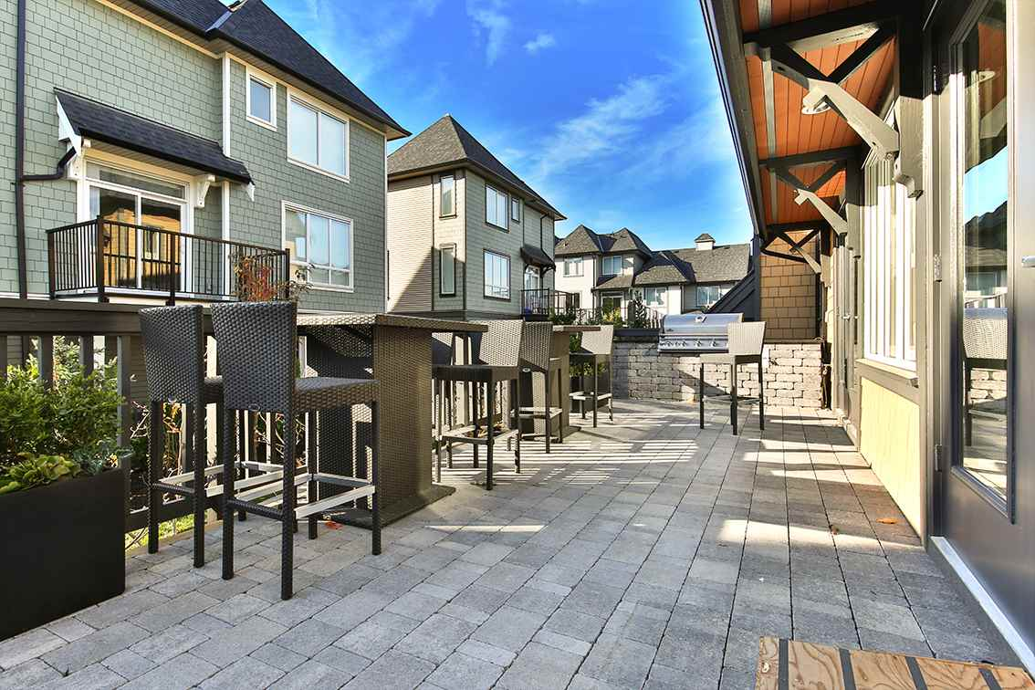 "Photo 16: Photos: 107 8138 204 Street in Langley: Willoughby Heights Townhouse for sale in ""Ashbury & Oak"" : MLS® # R2218599"
