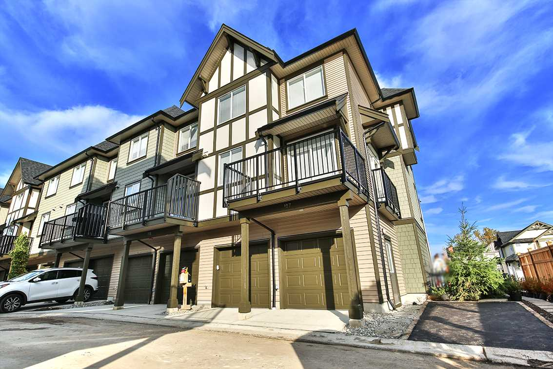 "Photo 13: Photos: 107 8138 204 Street in Langley: Willoughby Heights Townhouse for sale in ""Ashbury & Oak"" : MLS® # R2218599"