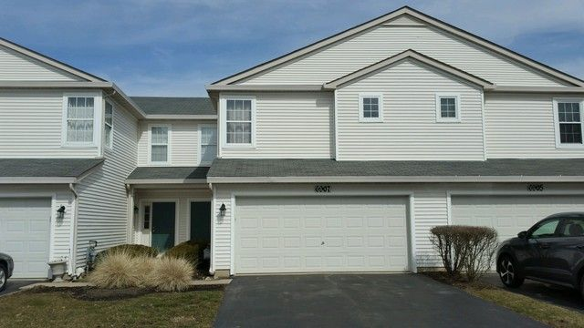 Main Photo: 6907 Clearwater Drive: Plainfield Condo, Co-op, Townhome for sale ()  : MLS®# 09897004
