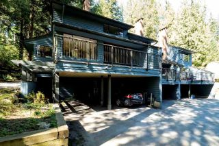 "Main Photo: 812 FREDERICK Road in North Vancouver: Lynn Valley Townhouse for sale in ""Laura Lynn"" : MLS®# R2260864"