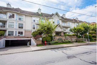 "Main Photo: 305 15290 18 Avenue in Surrey: King George Corridor Condo for sale in ""Stratford By The Park"" (South Surrey White Rock)  : MLS®# R2305593"