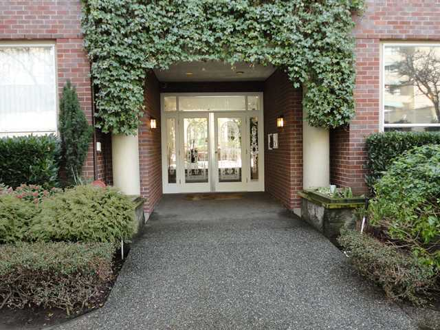 "Main Photo: 107 1230 HARO Street in Vancouver: West End VW Condo for sale in ""1230 HARO"" (Vancouver West)  : MLS® # V876370"