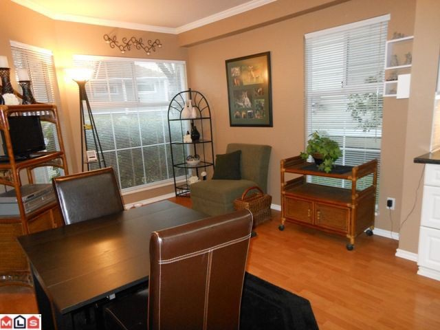 "Photo 6: 38 8428 VENTURE Way in Surrey: Fleetwood Tynehead Townhouse for sale in ""SUMMERWOOD"" : MLS(r) # F1128887"