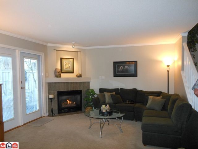 "Photo 2: 38 8428 VENTURE Way in Surrey: Fleetwood Tynehead Townhouse for sale in ""SUMMERWOOD"" : MLS(r) # F1128887"